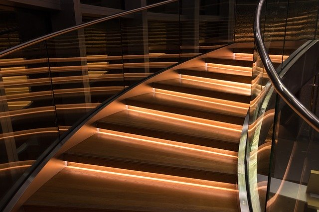 廊下や階段の後悔…「こうしておけばよかったな」と思うこと